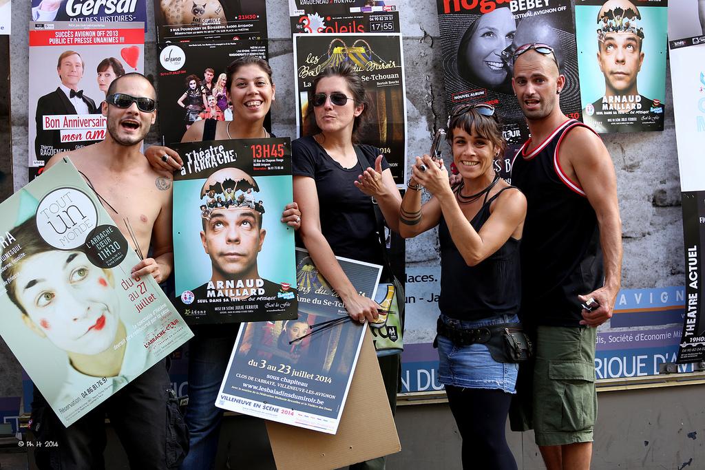 Afficheurs au festival Avignon