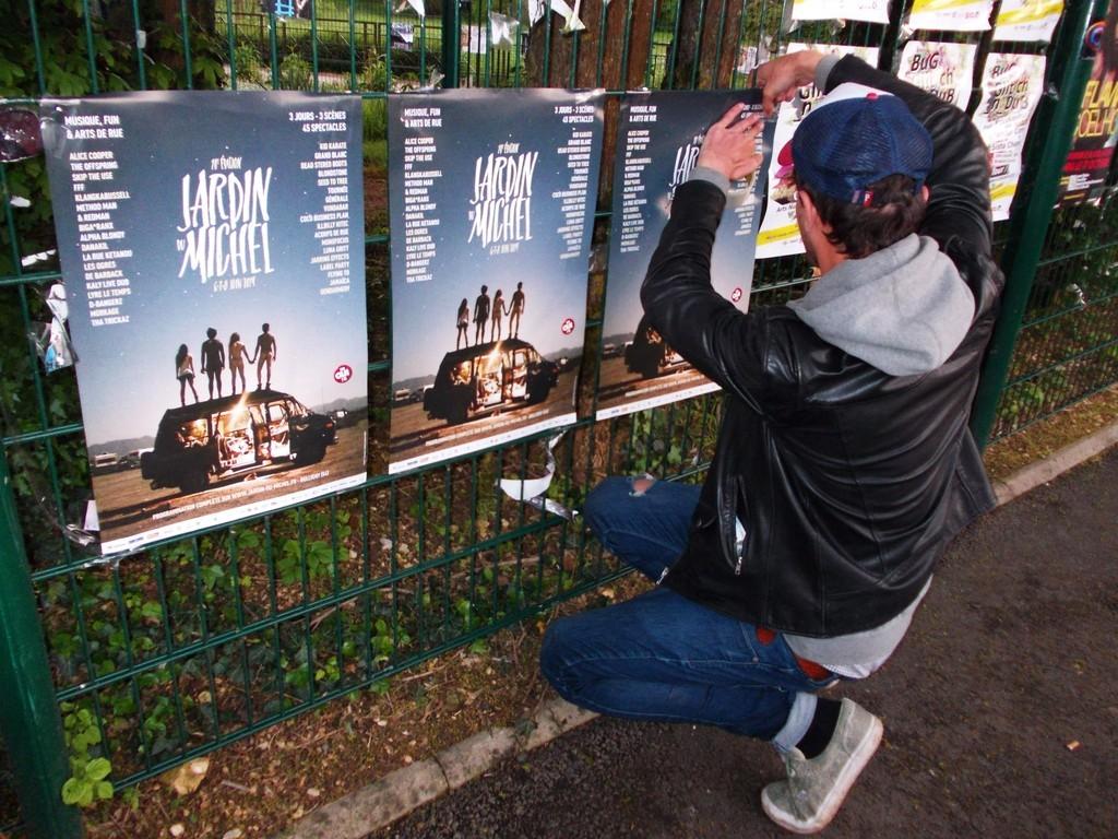 Pose d'affiches Jardin du Michel au festival du Printemps de Bourges