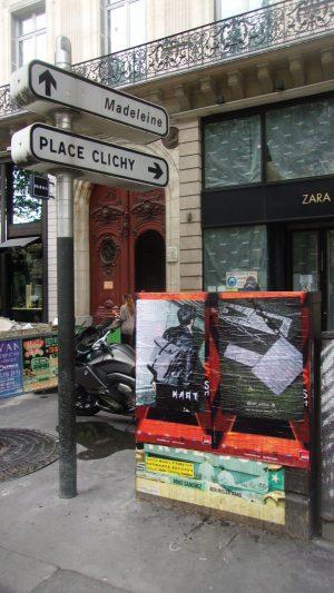 Affichage sauvage pour KART pendant la fashion week à Paris devant chez Zara et Burma