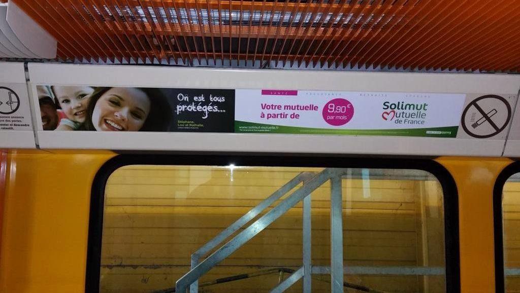 Réseau publicitaire de voussoirs dans le métro de Marseille