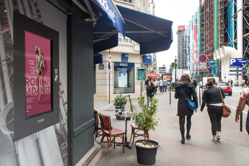 Media outdoor – écran d'affichage digital à Paris