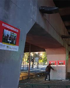 Affichage sauvage pour élections européennes à Paris