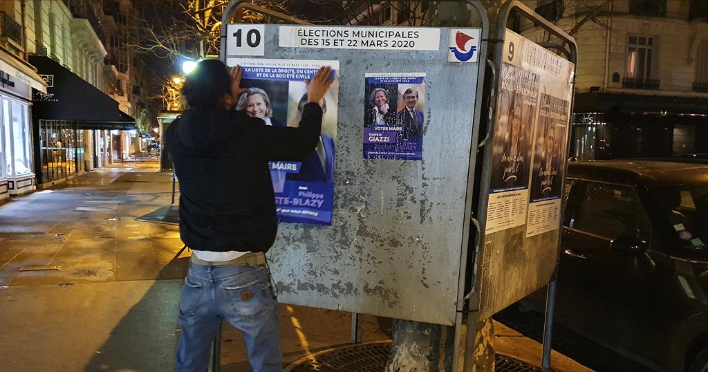 Campagne d'affichage politique pour les élections municipales parisiennes de 2020