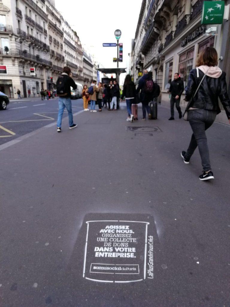 Clay-tag – marquage à la craie à Paris pour le Samusocial